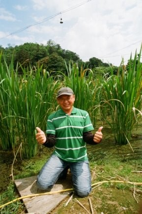 Picture 5: Chen Hsin-hao led his community to develop safe agriculture and repopulate Taiwan white minnow through the Rural Regeneration Program and the Industrial Development Interdisciplinary Cooperation Program.